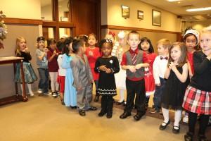 pre school Christmas carrolers 003