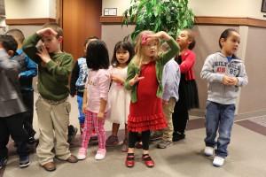 pre school Christmas carrolers 004
