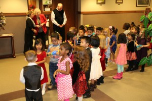 pre school Christmas carrolers 014