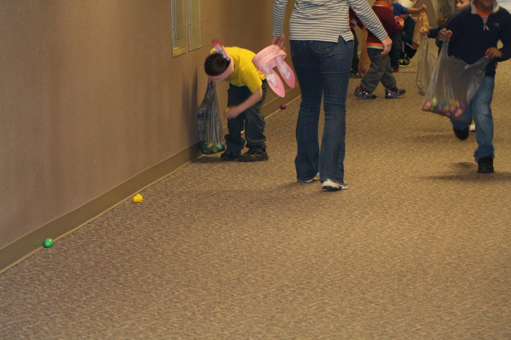 ptec pre school easter egg hunt 002