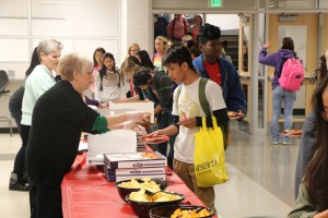 shs Q-3 Honor Roll Pizza Party 2016 001
